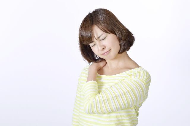 肩甲骨の左側痛みのイメージ画像
